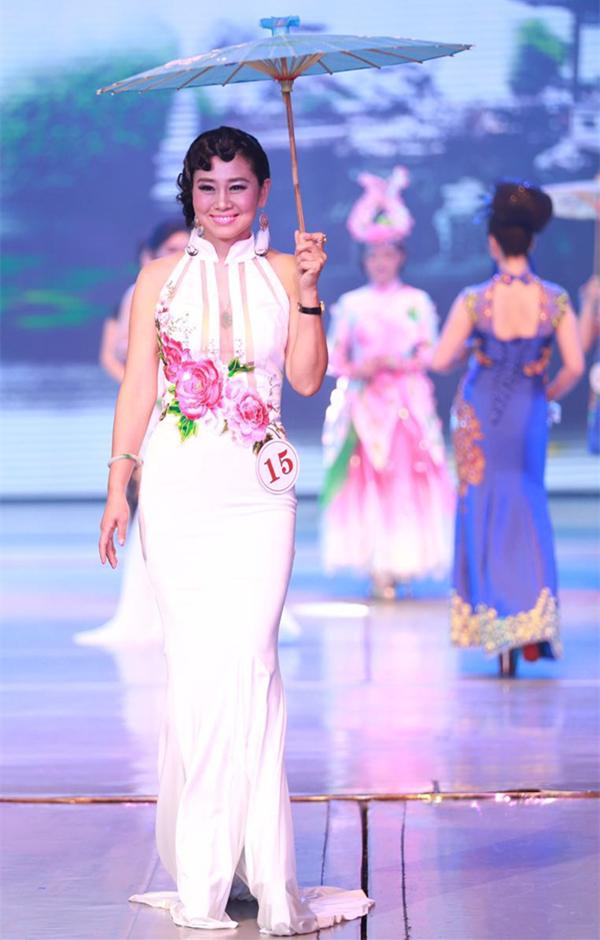 深圳梵希化妆学员走进传奇夫人节目现场
