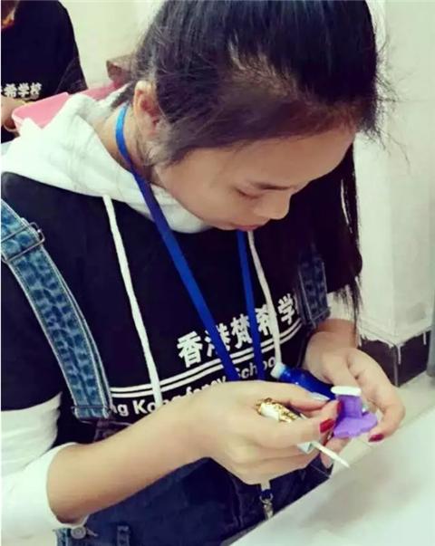 深圳梵希美甲培训学员陈亚萍毕业感想