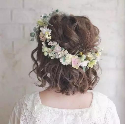 短发鲜花造型