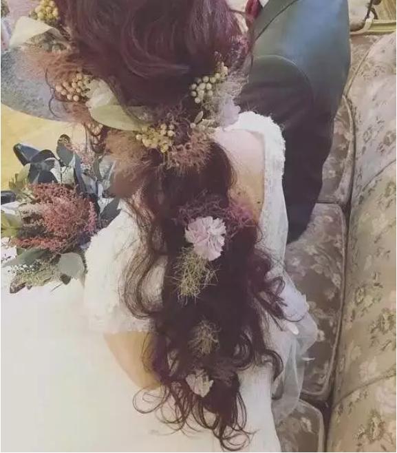 梵希化妆美发学校鲜花新娘造型
