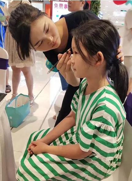 化妆培训,龙华好的化妆培训学校