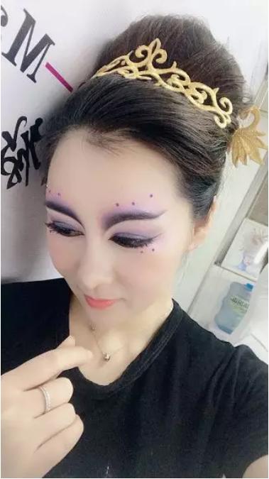 化妆师培训班学员自拍