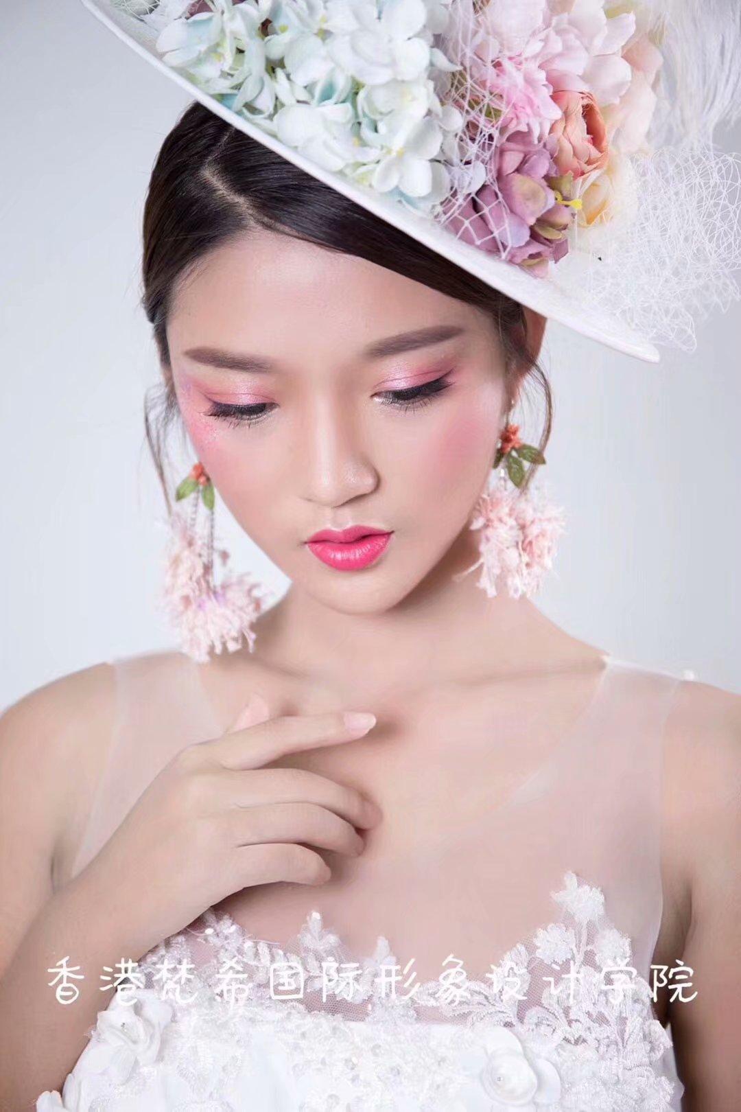 化妆培训班招生简章制度