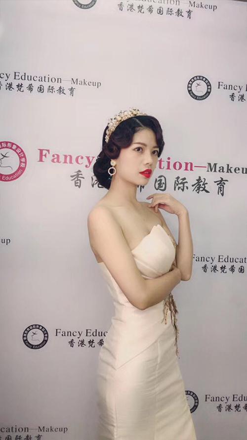 深圳梵希化妆造型培训-发型教程作品-复古红毯造型6
