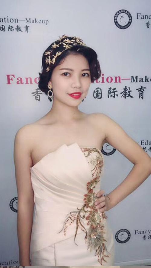 深圳梵希化妆造型培训-发型教程作品-复古红毯造型1