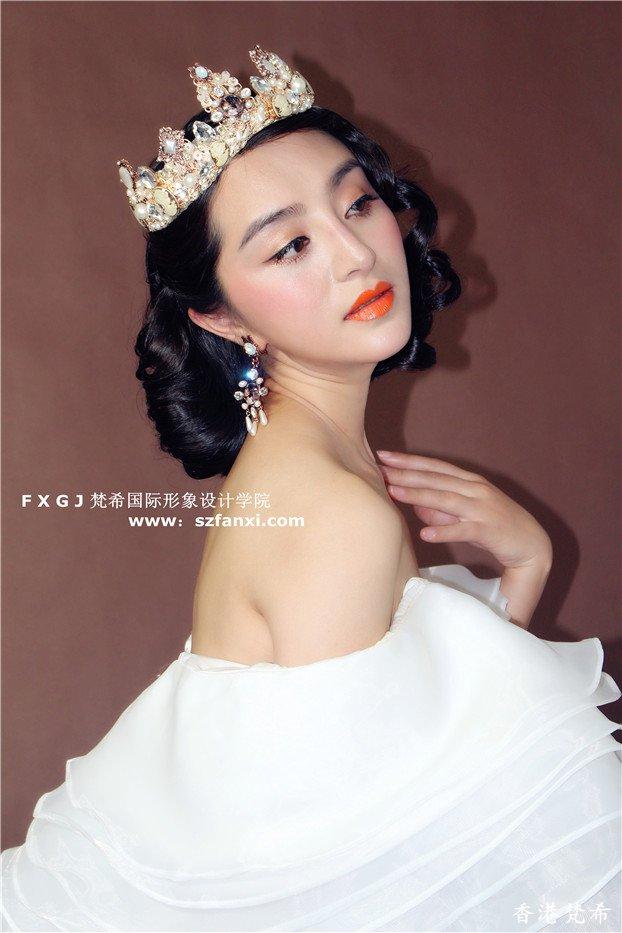 美丽皇后复古造型作品3