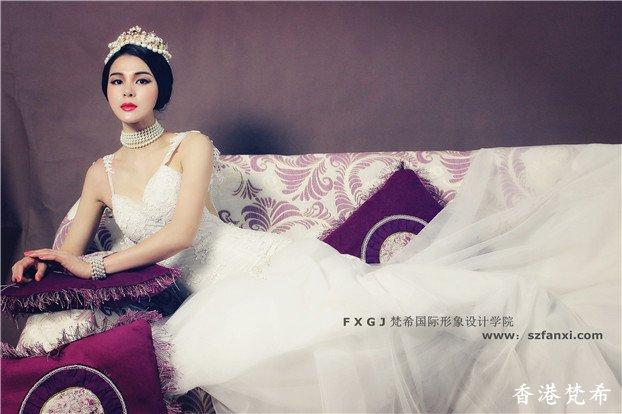 美丽皇后复古造型4
