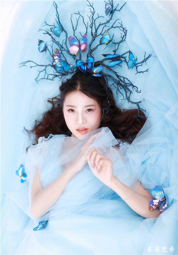 唯美浅蓝新娘造型作品4
