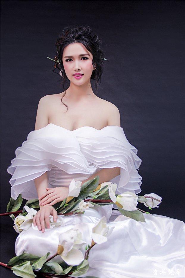 百合花新娘造型作品4