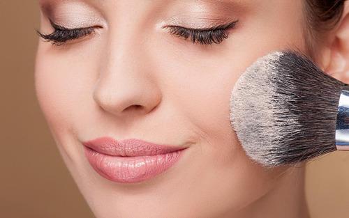 瘦脸化妆技巧