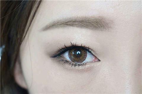 内双如何画眼线?