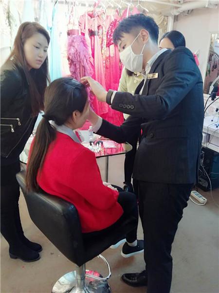 深圳哪里的化妆平安计划聊天室班好深圳梵希值得选择