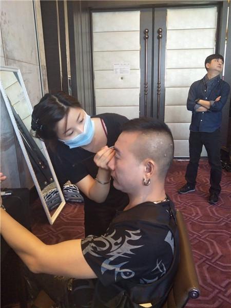 深圳有学化妆的学校吗?
