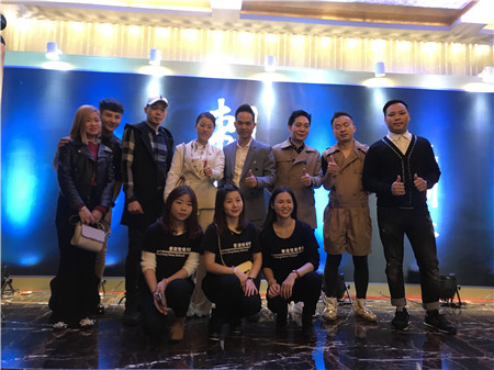 在深圳众多的化妆学校,我们梵希人为每一位拥有创业梦想的人插上成功的翅膀