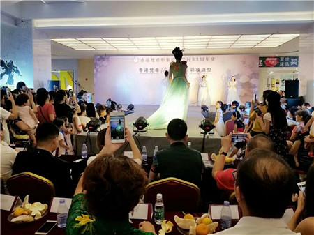 深圳龙华化妆学校怎么样?香港梵希化妆培训学校给很多爱好化妆的人一个学习的机会
