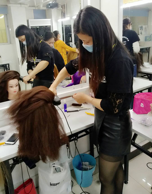 国内好的化妆学校